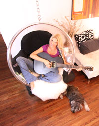 Nikki Moustaki's music for dogs